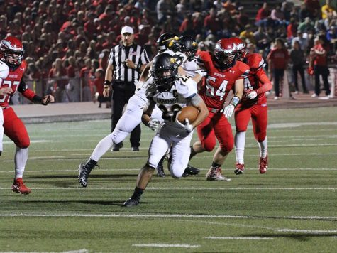 Arapahoe football team remains undefeated after big win against Heritage