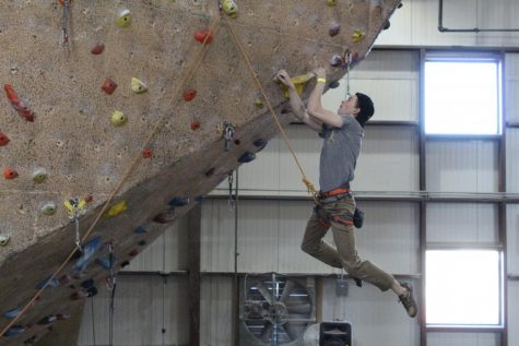 Rock Climbing Team Gets Sendy